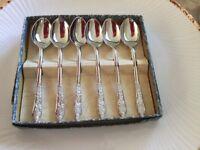 Tea spoons.