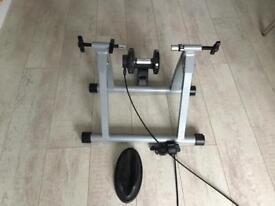 Indoor bike trainer hardly used