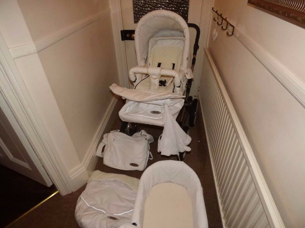 3 in 1 Pram travel system - White Leatherette Norton like new   in ...