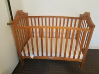 Crib with mattres. Good condition