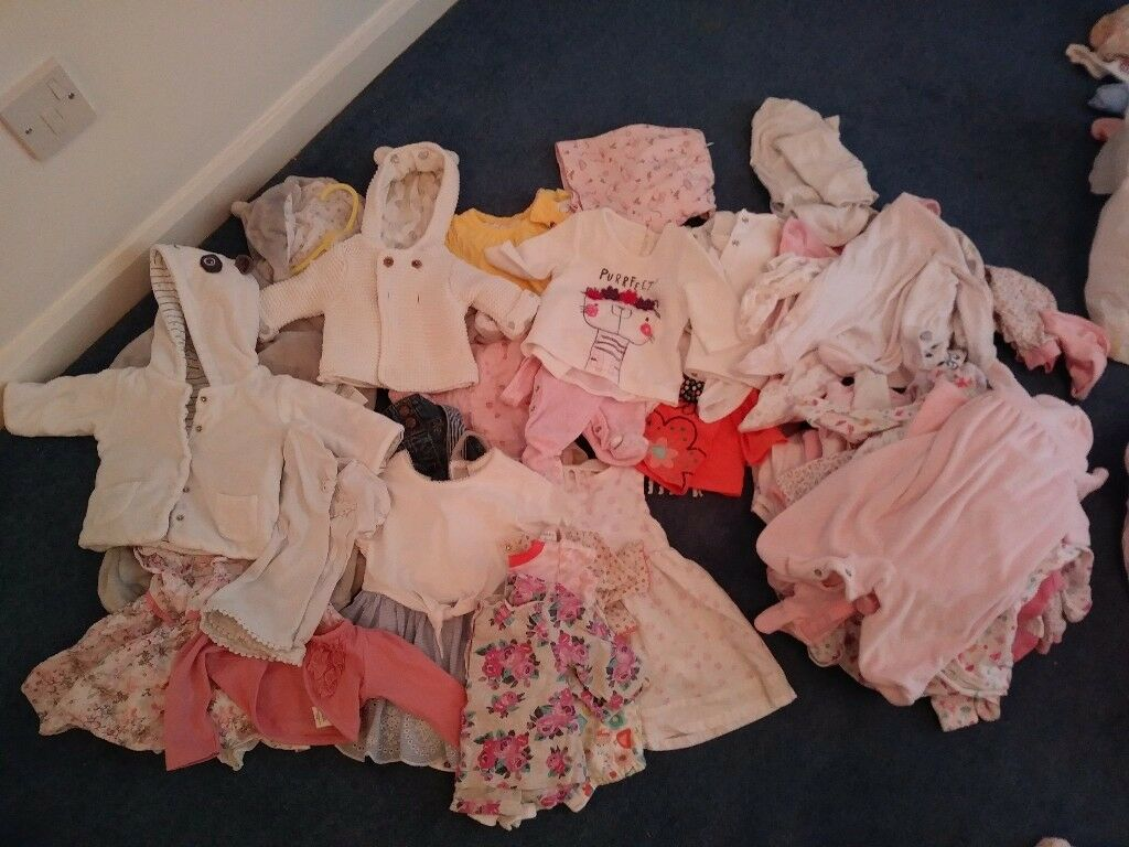 Baby girl clothes 2 bin liner full. Some not worn