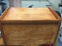 Wood bread bin in very good condition only £5