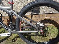 "COMMENCAL Combi Disc 26""Mountain bike(S) race face, rock shox, hope, avid, fsa, straitline upgrades"
