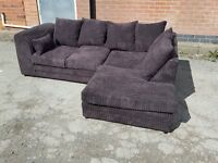Stunning all brown jumbo cord corner sofa. 1 month old. clean and tidy.can deliver