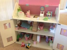 Dolls house immaculate