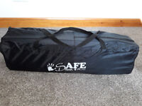 i Safe Rest and Play Luxury Travel Cot (Navy/Black)