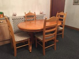 Solid pine extendable dining table & 6 chairs