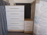 5 Drawer Chest in White Gloss ex display, good quality, free local delivery