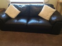 2 Seater and 3 Seater matching Sofa set, Brown Leather in very good condition.