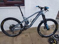 canyon strive 7.0 race mountain bike