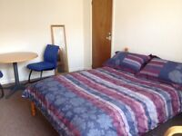 ***LARGE BRIGHT DOUBLE ROOM***