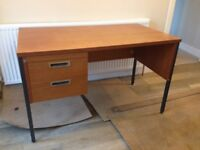 URGENT: Desk with drawers