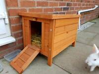 Small animal hideaway hutch