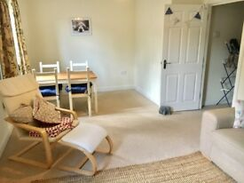 1 bed flat - £825 pm excl bills Naphill. Unfurnished except white goods. AVAILABLE NOW.