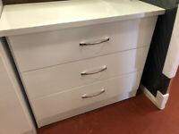 Delivering Today New boxed high gloss white 3 drawer chest of drawers £89