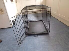Pets at home single door dog crate, medium, black with black plastic base tray