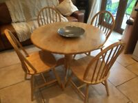 Pine Pedestal Table & 4 chairs
