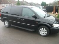 chrysler grand voyager ltd 2007 56 reg auto 2,8 diesel black stow and go plus many xtra