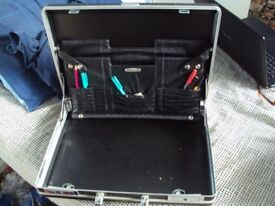 Briefcase-Custom Brand-Hard Body Type