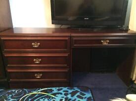 Dressing table & chest of drawers mahogany