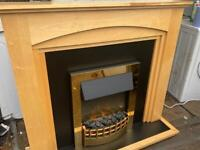 ELECTRIC FIRE & COMPLETE SURROUND NICE