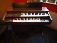 Yamaha organ FC-105 in great working order