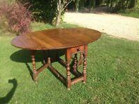 Antique oak dinning table.