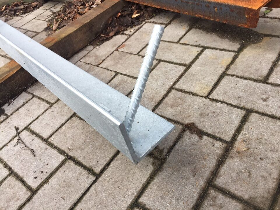Verzinktes Stahl , Winkel für Garage in Torgelow