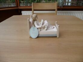 Bargain Bed Time Girl Leonardo Collection Porcelain Figurine Ornament By Annie Rowe
