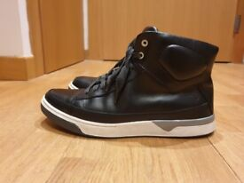 Timberland Shoes - Great condition - Black Leather - 7 UK