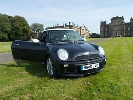 Mini Cooper excellent condition inside and out low mileage 61000, 9 months MOT, £2,400