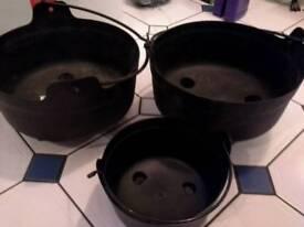 Plant pots cauldron style