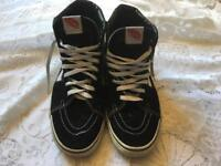 Vans in Mens hi tops trainers size 8. Used good condition