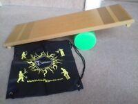 Rolla Bolla Set - Circus Skills Balance Board + free travel bag