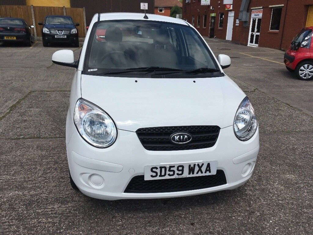 KIA picanto 1.0 litre engine 1 owner from new full service history mot  until 10/