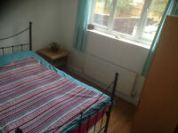 ****Acton Central Double Room overlooking large garden