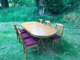 High quality extending dining table with 6 chairs, hardly used