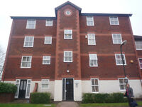 A lovely purpuse built top floor flat located 10-12 minutes walk from Colliers Wood Tube.