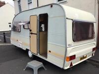1994 Avondale 3 birth caravan Pulls absolutely gorgeous