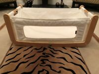 Snüz SnuzPod 2 3-in-1 Bedside Crib Natural White Co Sleeper + Bedding Bundle