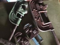 tools heavy duty pipe cutters x2 and 2 wrenches j, lot