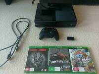 Xbox one 500gb+ Kinect + 3games + rechargeable battery