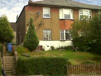 2 bedroom Upper Cottage Flat for rent - Gladsmuir Road 238, Hillington, Glasgow G52 2LA