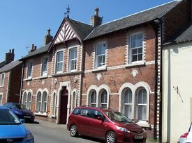 1 Bed Furnished flat with parking Village of ERROL, PERTHSHIRE between Dundee & Perth
