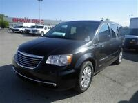 2013 Chrysler Town & Country Limited | DVD Player | Electric Doo