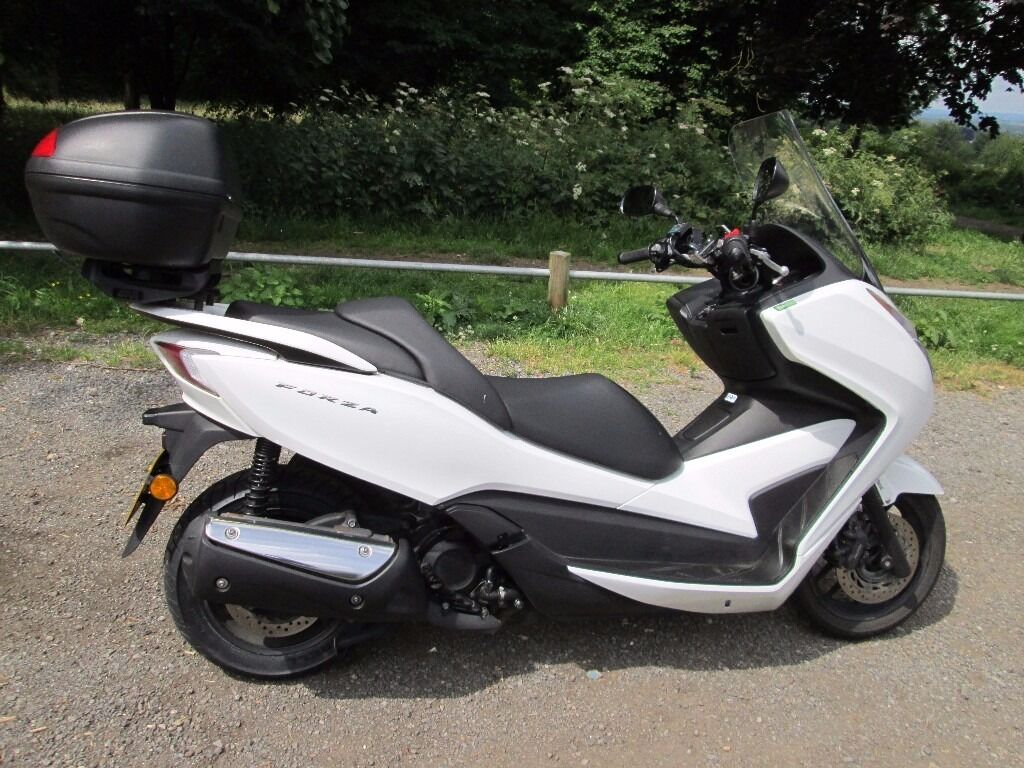 honda forza 300 with lots of extras in banstead surrey. Black Bedroom Furniture Sets. Home Design Ideas