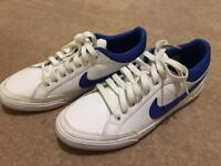 Mens Nike trainers size 6 nearly new excellence condition