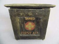 VINTAGE SANOID WOODEN FIRST AID WALL MOUNTED CABINET & CONTENTS