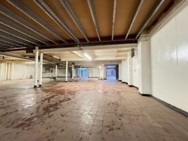 ****** Commercial Warehouse to Let ******