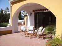 WINTER IN THE COSTA DEL SOL! 2 Bed Villa Apartment, AMAZING OUTSIDE SPACE & POOL Fuengirola/Marbella